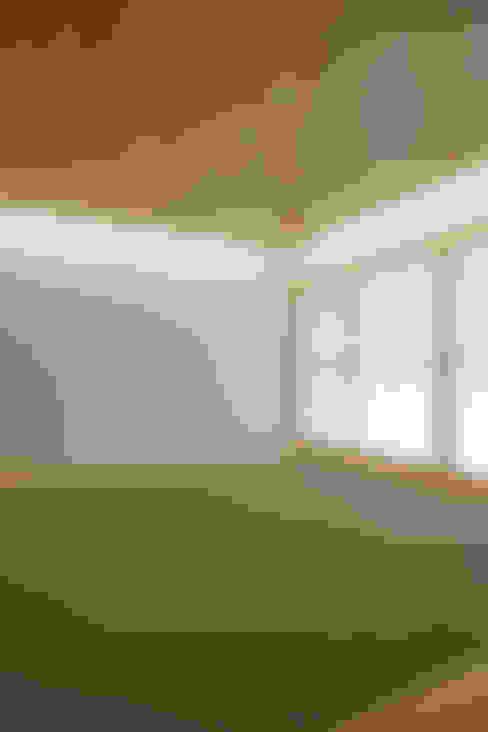 谷原新田の家: TAMAI ATELIERが手掛けた和室です。
