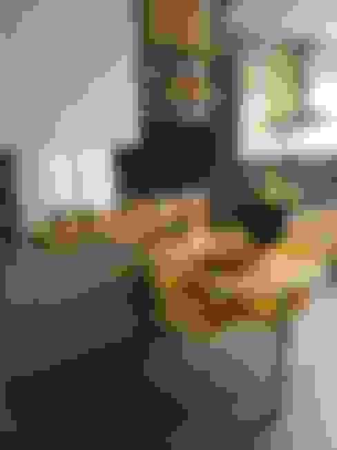 Kitchen by  Adriana Fiali e Rose Corsini - FICODesign