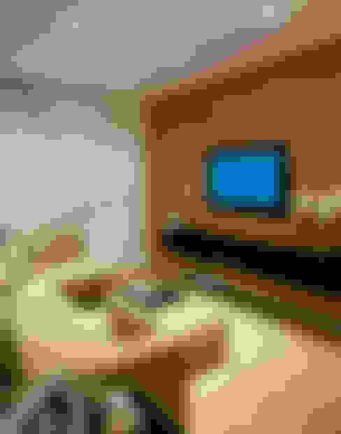 Salas multimedia de estilo  por GUSTAVO GARCIA ARQUITETURA E DESIGN