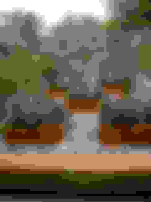 庭院 by BAIRES GREEN MUEBLES