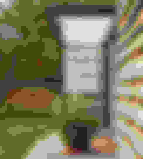 Terrazas de estilo  por .oboo-outdoor