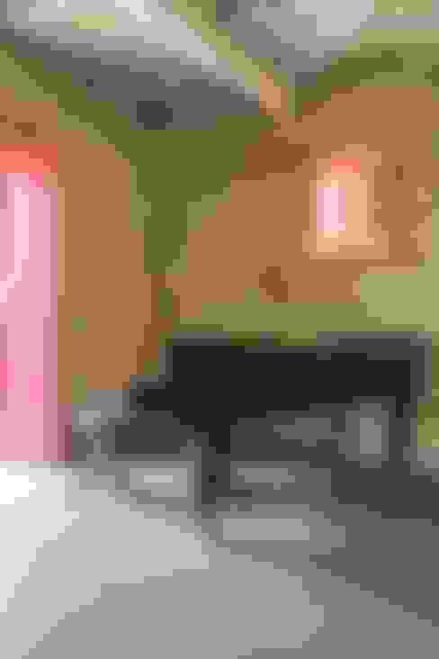 Salas multimedia de estilo  por Marcello Gavioli