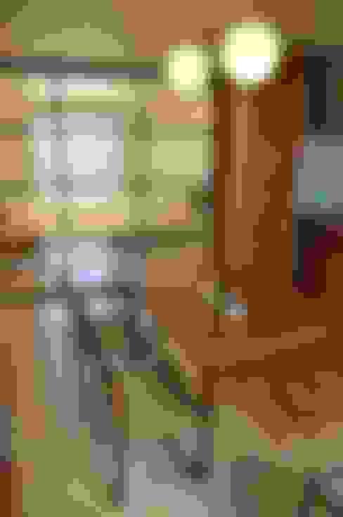 日並郷の家: 株式会社アトリエカレラが手掛けたダイニングです。