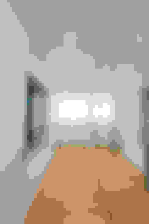 Dressing room by KitzlingerHaus GmbH & Co. KG