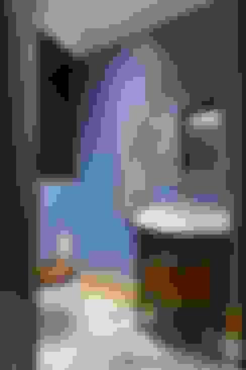 Baños de estilo  por Ольга Кулекина - New Interior