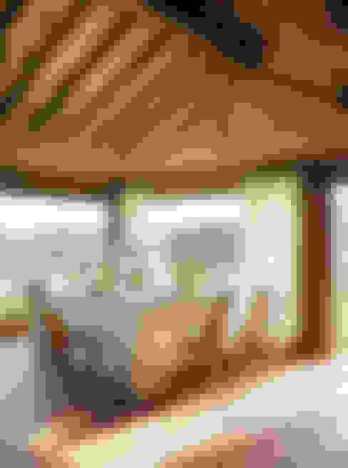 Dining room by CONSOLIDACIONES Y CONTRATAS S.L