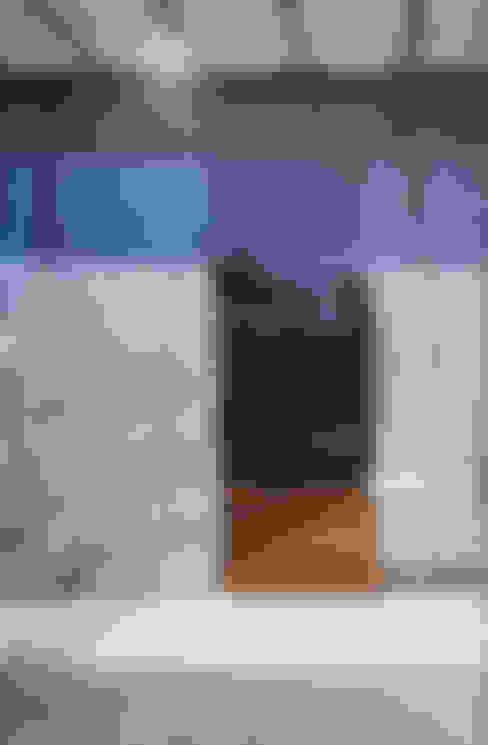 WINDOW  | 百日紅の家 | RC造高級注文住宅: Mアーキテクツ|高級邸宅 豪邸 注文住宅 別荘建築 LUXURY HOUSES | M-architectsが手掛けた窓です。
