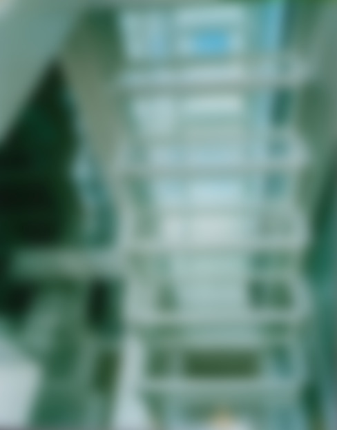 ガラス階段: 原 空間工作所 HARA Urban Space Factoryが手掛けた玄関&廊下&階段です。