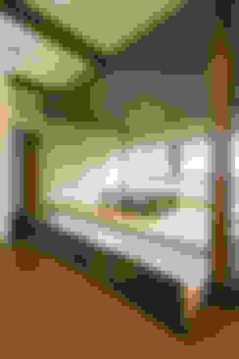 和室引き出し収納: 株式会社かんくう建築デザインが手掛けたダイニングです。