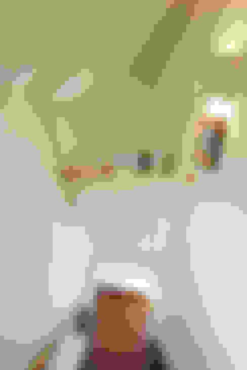 Flur & Diele von 有限会社タクト設計事務所