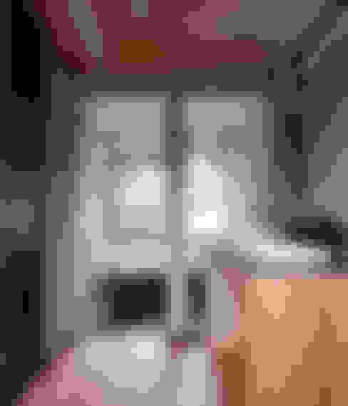洗面より浴室を見る: 豊田空間デザイン室 一級建築士事務所が手掛けた浴室です。