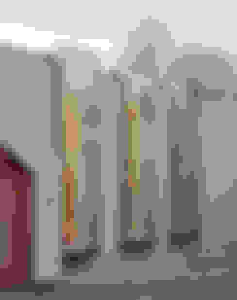 Linkside: Oversized Culmax Oriel Bay Windows:  Windows  by Maxlight