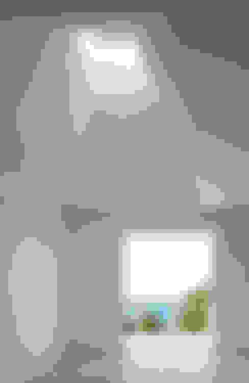 傾斜天井: IZUE architect & associatesが手掛けた家です。