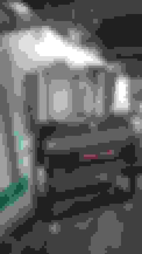 Grande ahumadora para la casa:  de estilo  por Smoke King Ahumadoras