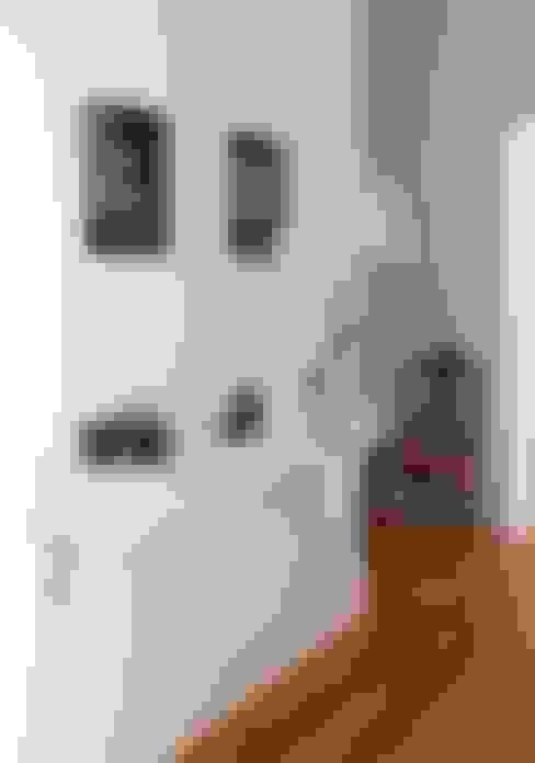 Corridor & hallway by LAVRADIO DESIGN