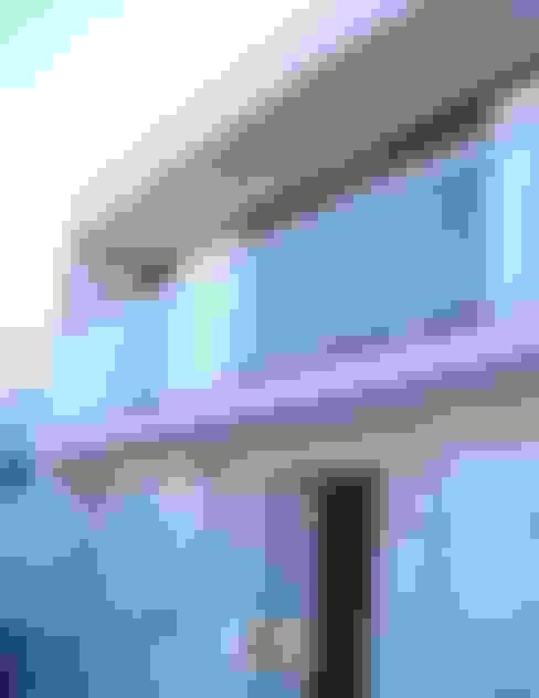 Fachada após a reforma: Casas  por Moradaverde Arquitetura