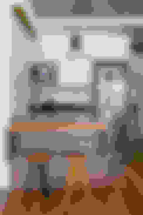 apto poledance: Cozinhas  por Casa100 Arquitetura