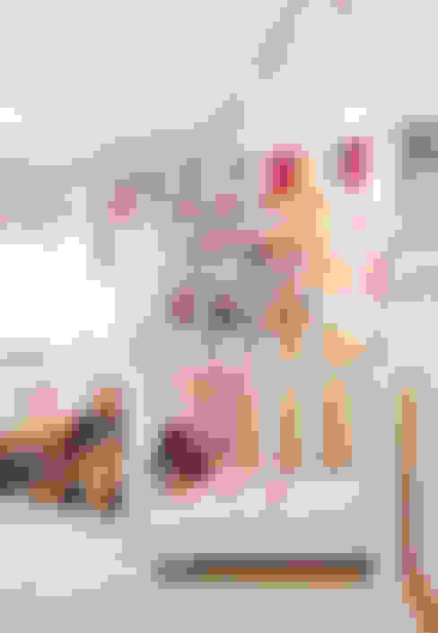 Dormitorios infantiles de estilo  por Gavetão- Decoração de Interiores