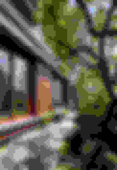 房子 by 向山建築設計事務所