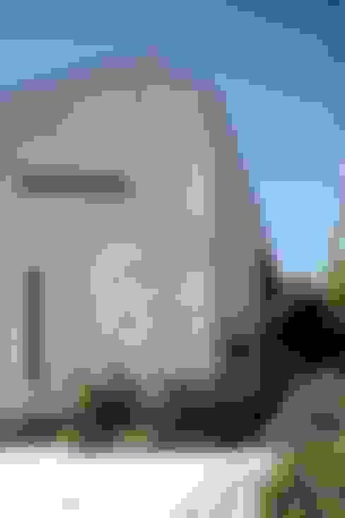 ピアノと暮らす家: アトリエグローカル一級建築士事務所が手掛けた家です。