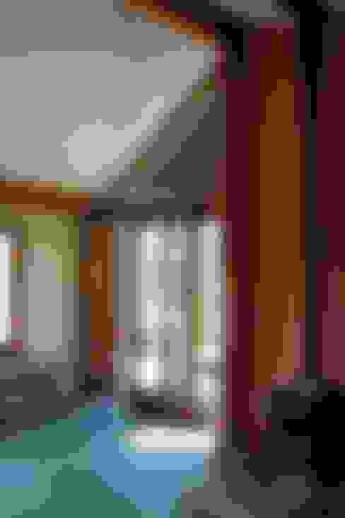 Living room by Rachel Bevan Architects