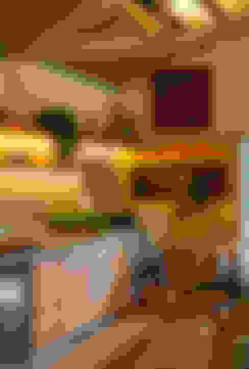 Casa Cor 2015/ A Casa da Gente: Cozinhas  por Marina Linhares Decoração de Interiores