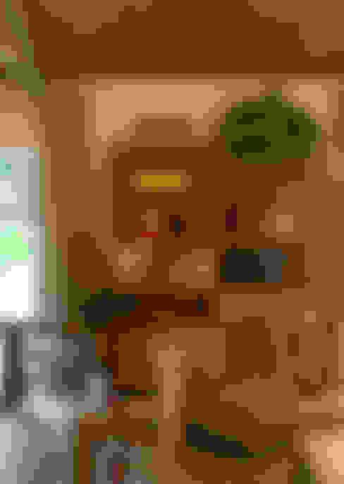 Casa Cor 2015/ A Casa da Gente: Salas de estar  por Marina Linhares Decoração de Interiores