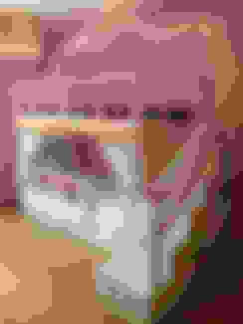 Dormitorios infantiles  de estilo  por Oficina Rústica (OFR Unipessoal Lda)