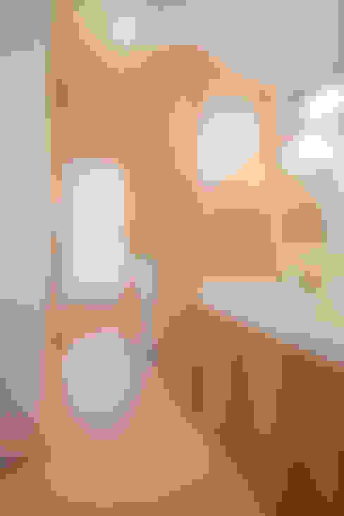 南郷の家: 株式会社 atelier waonが手掛けた浴室です。