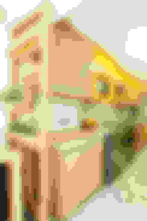 ห้องครัว by Serra Vaz Arquitetura e Design de Interiores