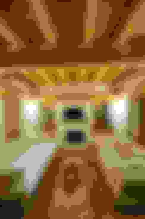 F&F mimarlik – Taş Ev:  tarz Oturma Odası
