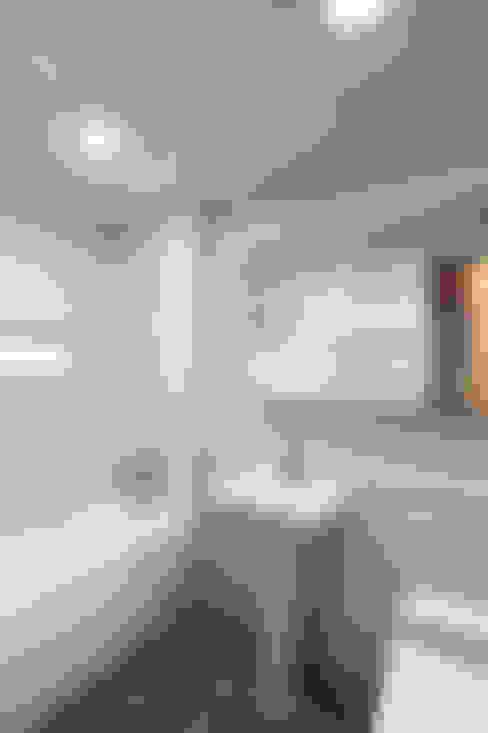 Phòng tắm by woodsun