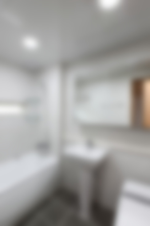 Bathroom by woodsun