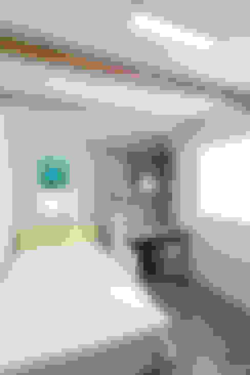 Nursery/kid's room by woodsun