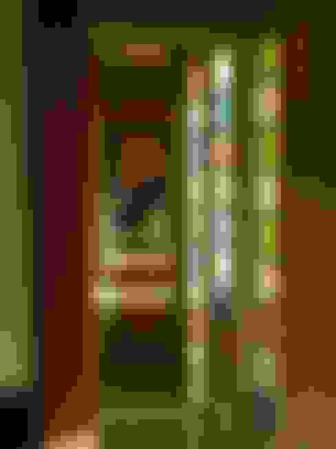 Pasillos y vestíbulos de estilo  por ART quitectura + diseño de Interiores. ARQ SCHIAVI VALERIA