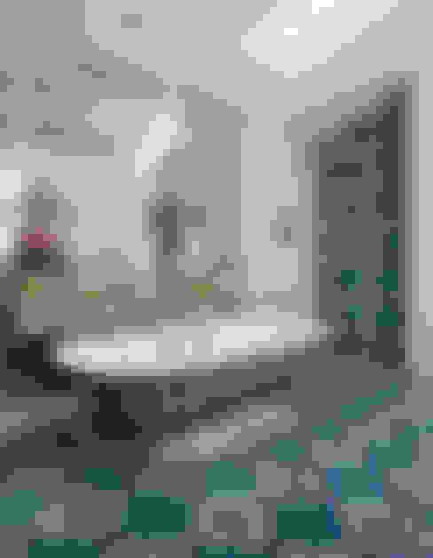 Bagno in stile  di Drummonds Bathrooms