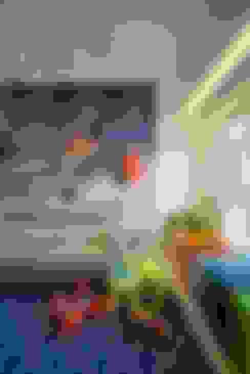 Nursery/kid's room by Atelier Design N Domain
