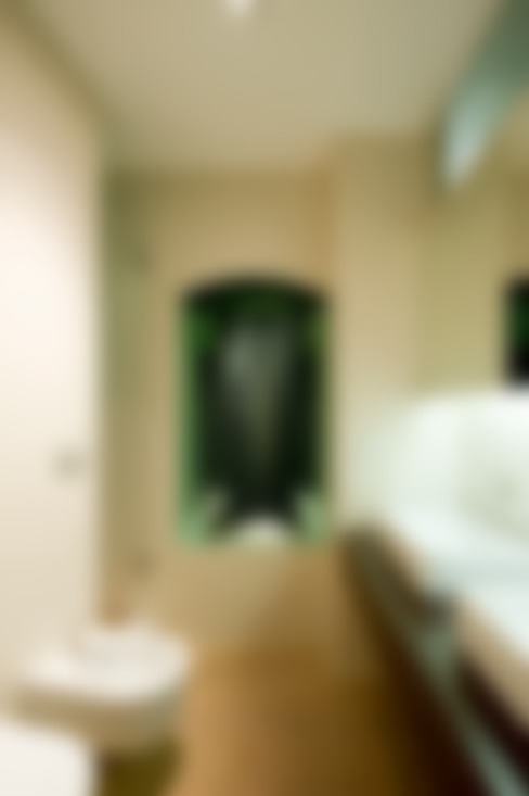 Badezimmer von femia studio (mAc14)