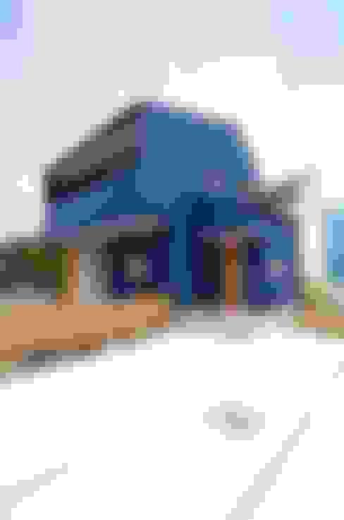Casas  por K+Yアトリエ一級建築士事務所