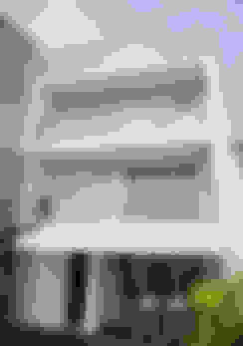 Rumah by GAAPE - ARQUITECTURA, PLANEAMENTO E ENGENHARIA, LDA