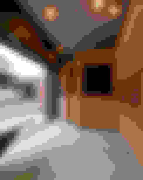 الممر والمدخل تنفيذ スズケン一級建築士事務所/Suzuken Architectural Design Office