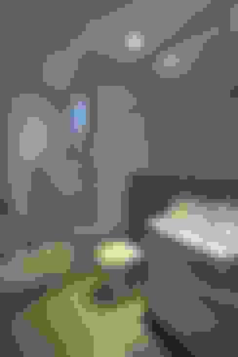 Bathroom by Oleari Arquitetura e Interiores