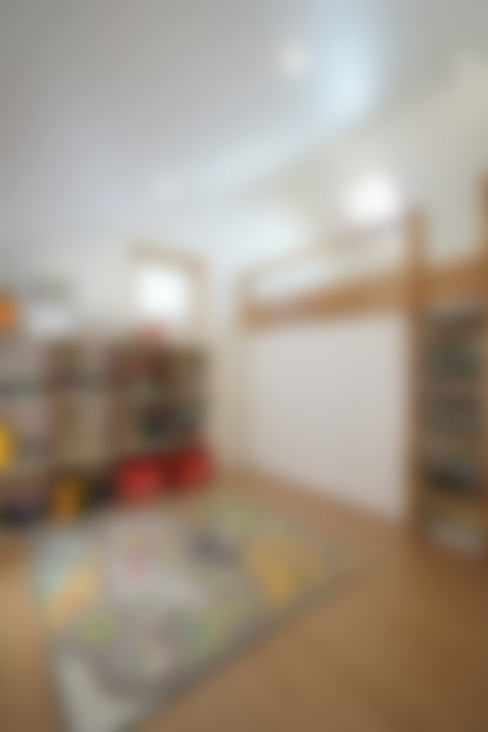 Dormitorios infantiles de estilo  por ADMOBE Architect