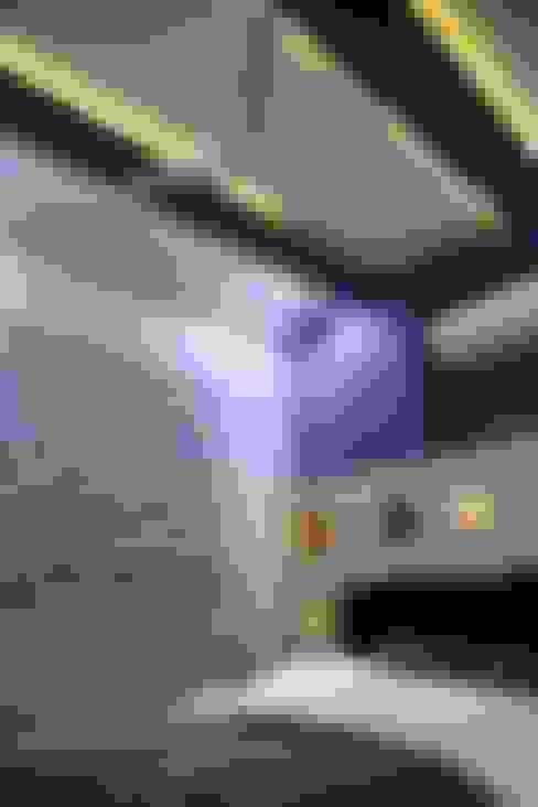 Guest Bedroom:  Bedroom by ZEAL Arch Designs