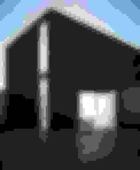 Garage / Hangar de style  par Way-Project Architecture & Design