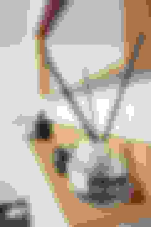 30평대 신혼집 홈 스타일링 : homelatte의  드레스 룸