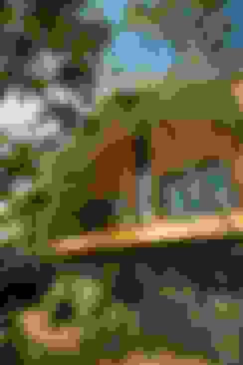 Casas de estilo  por Mimasis Design/ミメイシス デザイン