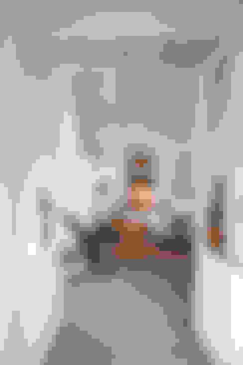 Salas de estar  por atelier Rua - Arquitectos