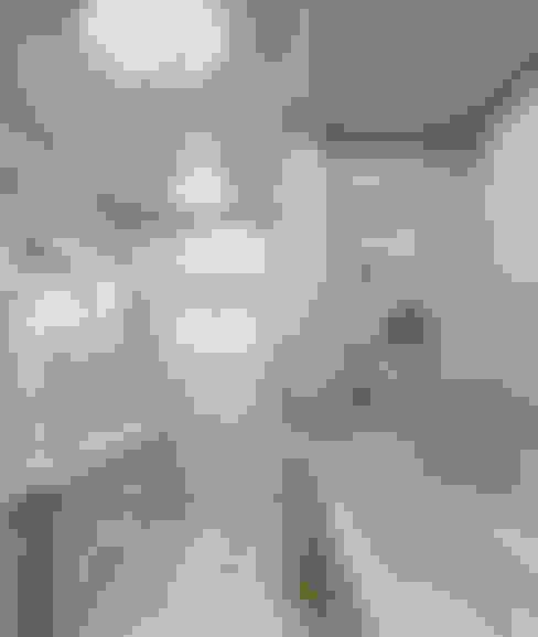 ФОРЭСКИЗЫ ПО ДИЗАЙН ПРОЕКТУ КВАРТИРЫ НА ул. ТУЛЬСКОЙ: Ванные комнаты в . Автор – СТУДИЯ ДИЗАЙНА ЭЛИТНЫХ ИНТЕРЬЕРОВ АЛЕКСАНДРА ЕЛАШИНА.