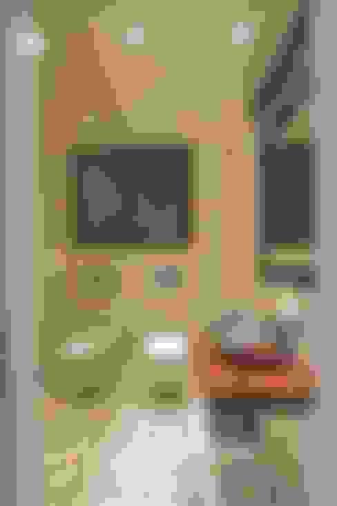 Salle de bains de style  par Kerim Çarmıklı İç Mimarlık
